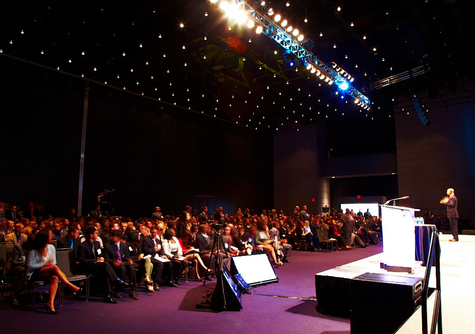 9 tips for running a successful customer conference